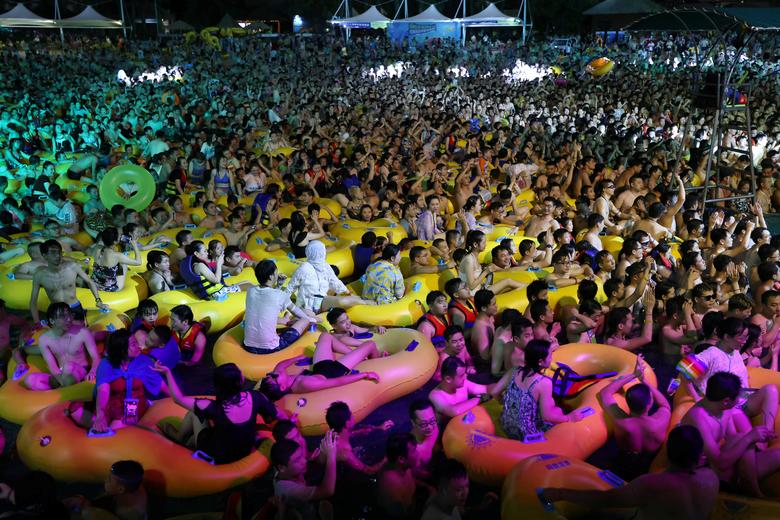 عصبانیت مردم جهان از برگزاری فستیوال موسیقی در چین